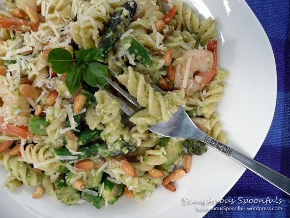 Asparagus Pesto Rotini with Shrimp & MushroomsChose Rotini, Beans Pesto, Love Asparagus White, Shelf Mushrooms, Pesto Nice, Asparagus Pesto, Swirly Pasta, Gluten Free Pasta, Pesto Rotini