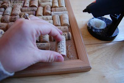 Making a bulletin board with wine corks is quite simple.