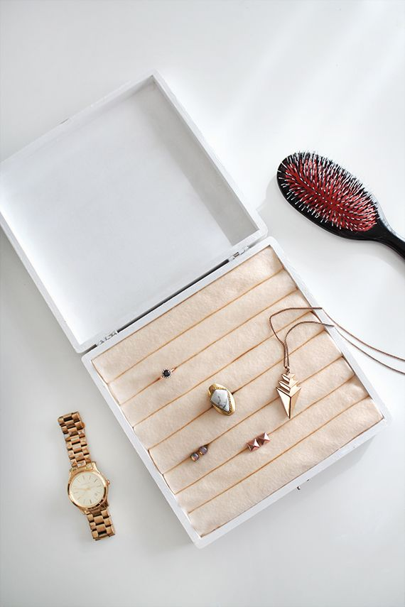 DIY Vintage Jewelry Box - would be great to do with cigar boxes
