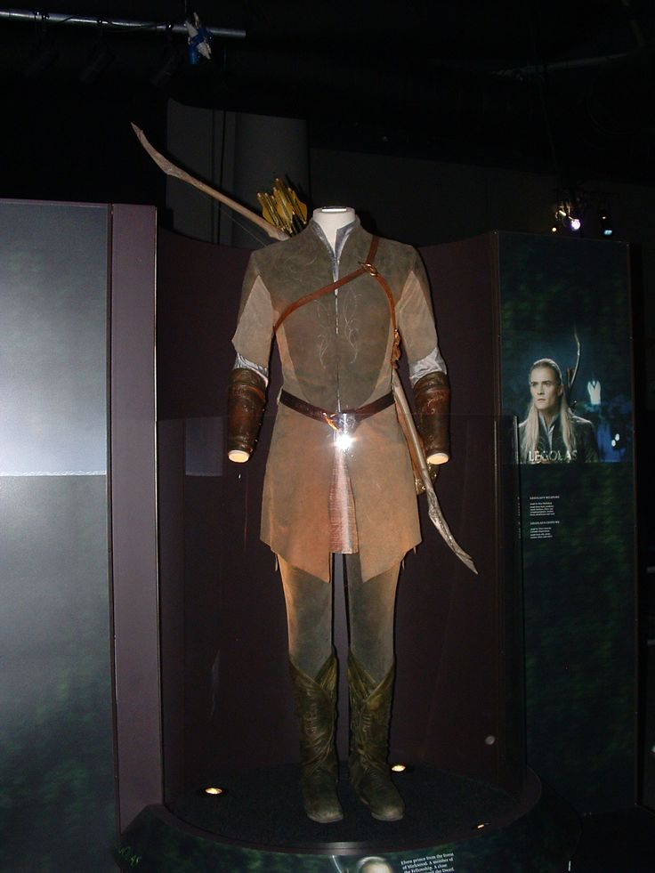 Legolas' clothes from LOTR. Pretty sure this is at the exhibition.. which I've been to.. it's awesome..