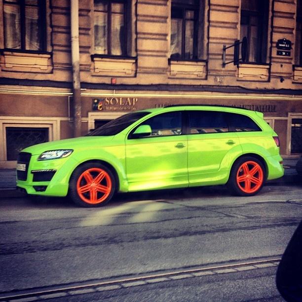 """Audi """"Bright"""" Q7"""