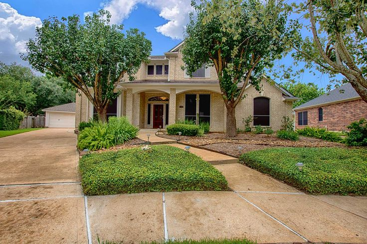 Gorgeous Cul-de-sac 2 Story 6BD 4BA Home with Pool For Sale in Houston - http://www.realtybymonica.com/2017/07/21/gorgeous-cul-de-sac-2-story-6bd-4ba-home-pool-sale-houston/ #2Story, #6Bedrooms, #HomesForSale, #Houston, #PineBrook, #Pool, #RealEstate