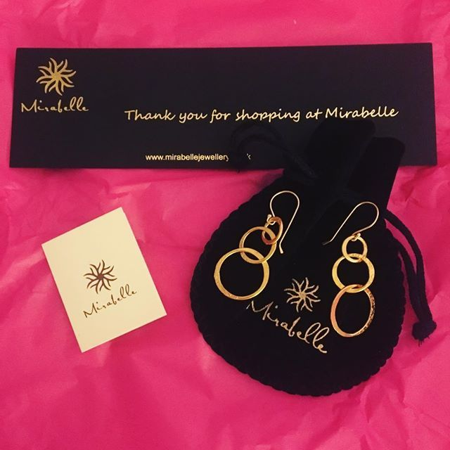 Rough day at work made a little better by this treat waiting at home! Hope your Mondays are going well! 😘 | #replikate #mirabelle #earrings #jewelry #jewelleryaddict #jewelryaddict #katemiddleton #copykate #duplikate #duchesskate #duchessofcambridge #duchesscatherine #royal #gb #uk #myroyalcloset #royalfashion #royalwardrobe #styleinspo #stylechallenge #jewelryofig #jewelleryoftheday #stylechallenge