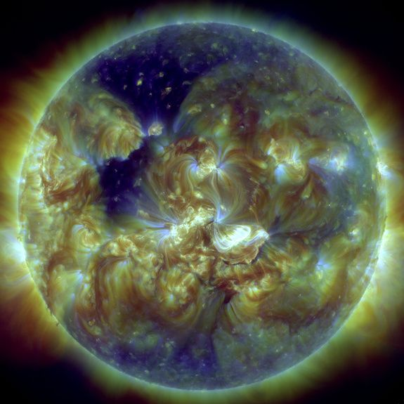 How Earth's Magnetic Field Shielded Us from 2014 Solar Storm http://whtc.co/5pbk