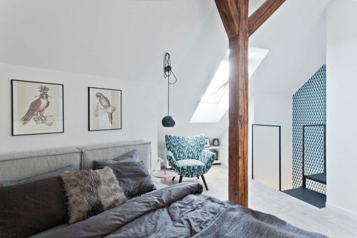 chambre sous comble design avec lucarne