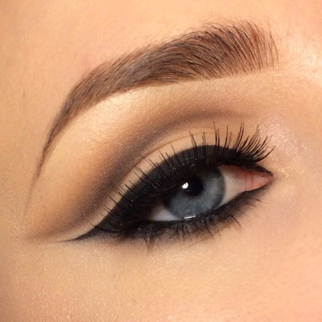 eyeliner: Mac Fluidline blacktrack + a little bit of @Sugarpill Cosmetics bulletproof on top ✨ eyeshadows MAC mystery/concrete/espresso/wedge/samoa silk ✨ eyelashes mac #3 ✨ brows @anastasiabeverlyhills brow wiz ash blonde + vore powder duo medium Brown ✨ inliner #anastasiabeverlyhills covet waterproof eyeliner noir ✨ - @Stephanie Elfenson- #webstagram