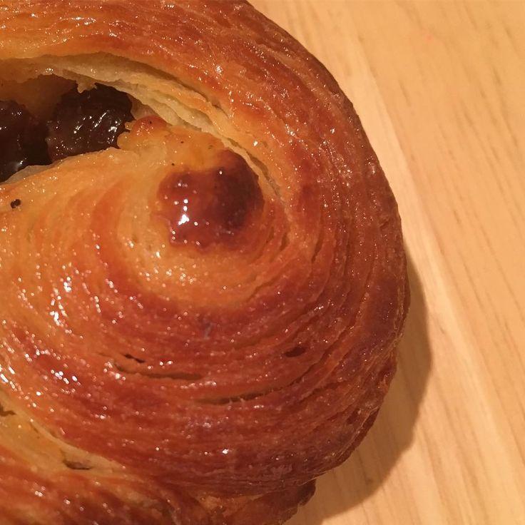 Hand rolled 18 layers brioche. Нижний Новгород накатал- и лакомится. А ты накатал ?! #всесрочноНаРаскатку #долетела #нижнийновгород #выпечка #кондитерскиекурсы  #круассаны #croissant #bakery #boulangerie #pastry #patisserie #dessert #olgavanjung  #breakfast #coffee #dessertmasters #cake #entremet #торт #макарон #macarons