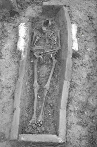 Wat was de aanleiding waarom Raspoetin werd gedood? Mensen dachten dat hij een Duitse spion was en werd hij gewantrouwd omdat hij grote invloed had op het beleid van Tsaar Nicolaas 2.En dat waren combinatie en factoren om hem te doden volgens een aantal Russische edelen (1916)