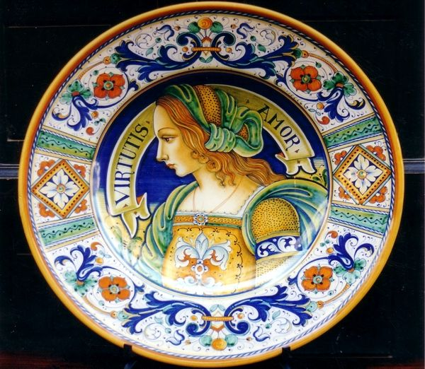 Deruta hand-made ceramic plate,central Italy.