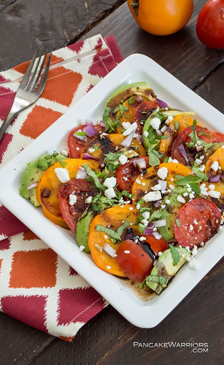 Everyone loves this tomato avocado salad. Use up that bounty of fresh tomatoes wit this simple salad. Vegans can add hemp hearts instead of cheese. Perfect for brunch! | www.pancakewarriors.com