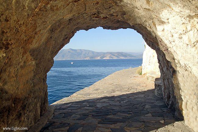 The tunnel along #Arvanitia promenade, #Nafplio