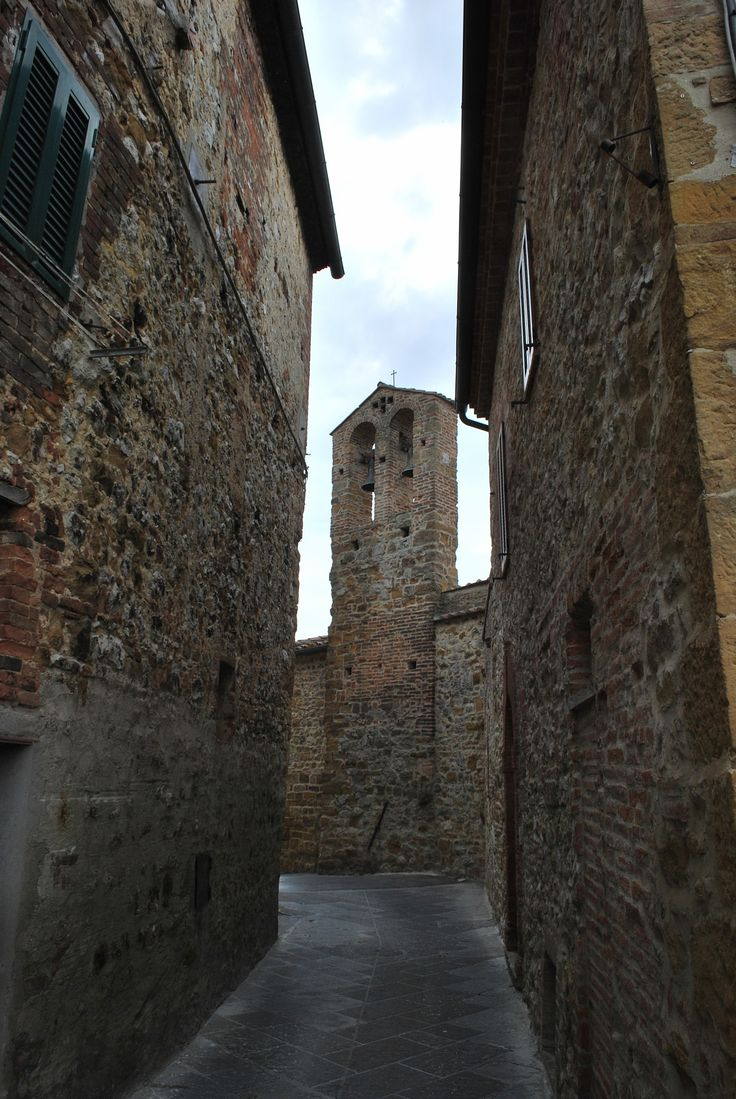 Alley in Petroio - Alley in Petroio, a little medieval village - Trequanda, Siena, Italy.
