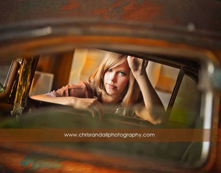 senior pictures with old cars | Senior pictures old car door | Chris Randall Photography | Pinterest
