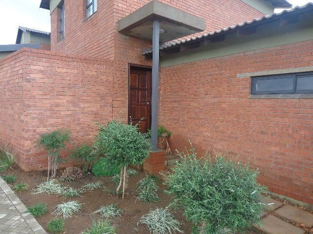 4 bedroom House for sale in Lilyvale
