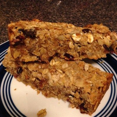 Breakfast Bars - Delicious and very satisfying! These bars make me feel like I am eating a treat. #glutenfree