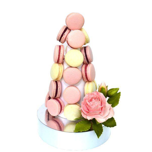 Башня из 26 шт. макаронс (макарун) с оригинальной съедобной розой. Высота - 29 см. Стоимость - 420 грн. (390 грн.без розы). Цвета, виды и расположение макаронс (макарун) возможно под заказ.