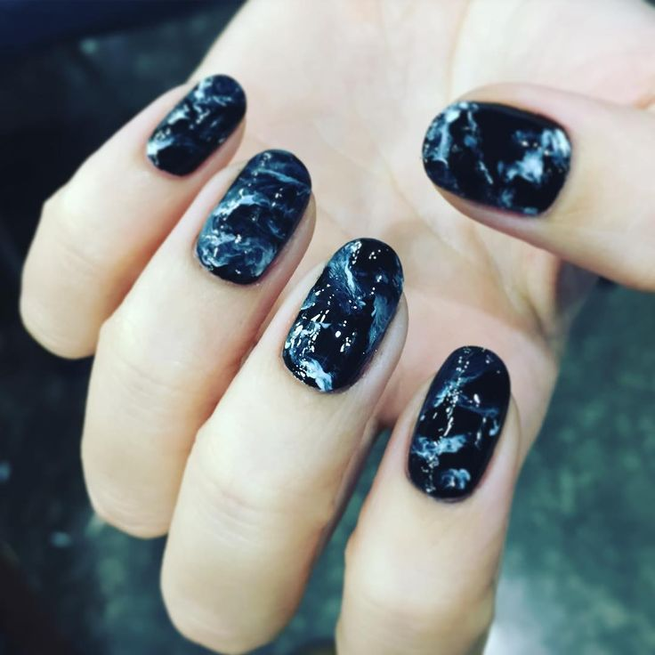 "1,630 Likes, 43 Comments - 유니스텔라 네일_박은경 (@nail_unistella) on Instagram: ""#gemstonenails """