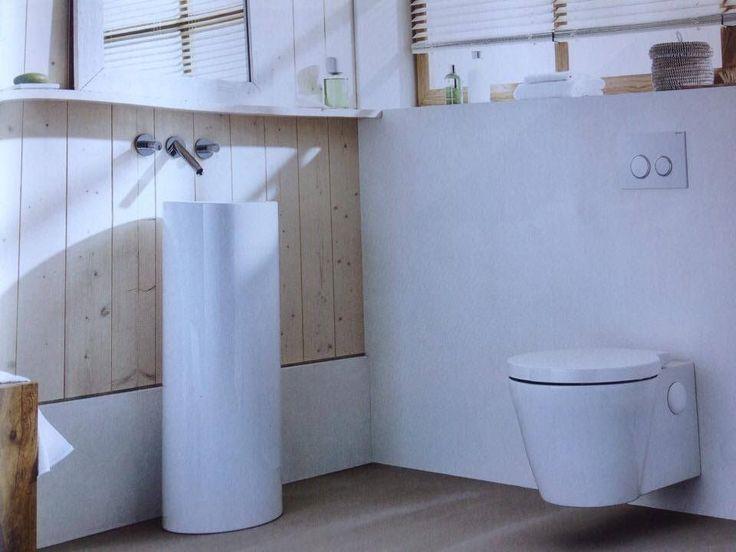 Timber feature / freestanding basin