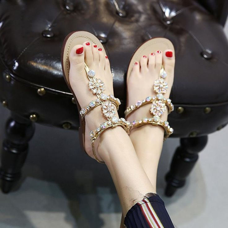 Shinning Riheston Flat Slip On Summer Slipper Sandals  #sandals #shoes #customshoes #streetstyle #fashionlover #shoesoftheday #lifestyle #shoeslove #summeroutfit #streetfashion