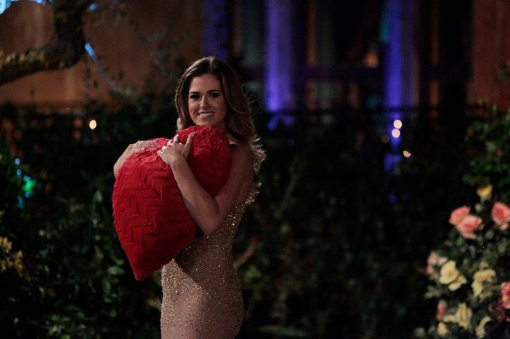 The Bachelorette' 2016 Spoilers: Epic First Date, Rainy Group Date and A Second One on One Date? - http://www.hofmag.com/bachelorette-2016-spoilers-epic-first-date-rainy-group-date-second-one-one-date/164816