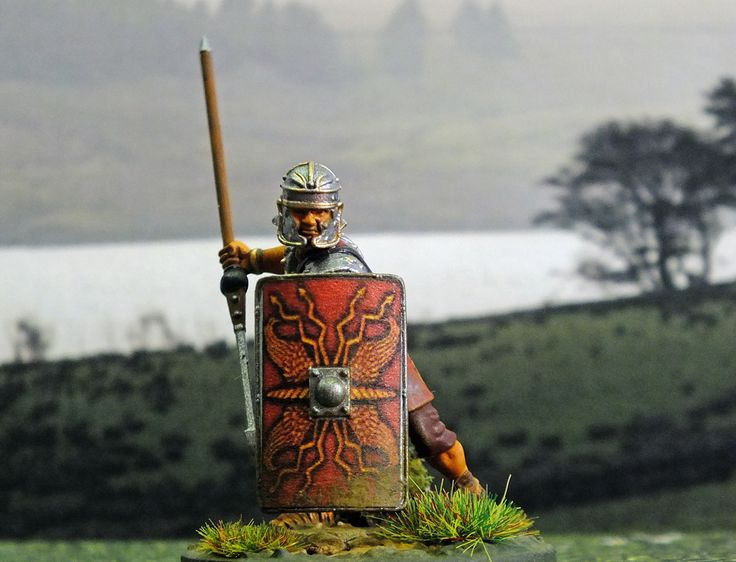 Early Imperial Roman Legionary. 28mm hard plastic painted by Bob Hornsby