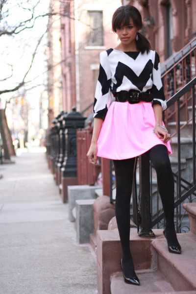 Chevron blouse, bright pink skirt, and black tights & heels.