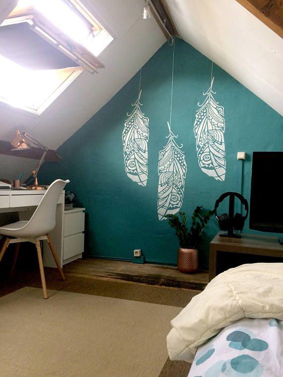 Bringe frischen Wind in dein Zuhause mit skandinavischen Wandschablonen. Schablonengröße: 37 cm x 106 cm Skandinavisches Design – das sind einfache Formen, zarte Farben, manchmal auch der Kontrast zwischen Hell und Dunkel. Unsere Interieure sind meist hell, gemütlich und einladend. Mit