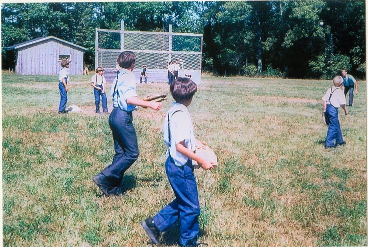 amish boys playing baseball: Amish Kids, Adorable Amish, Amish Children, Amish Life, Boys Playing, Amish Country, Amish Boys
