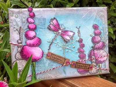 Crafty Clarey: I'm up on Paperartsy 3UP!