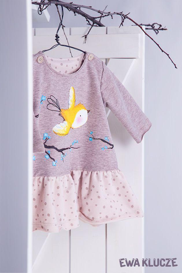 EWA KLUCZE, kolekcja BIRD, sukienka z dresówki beżowa, jesień-zima 2018, ubranka dla dzieci, EWA KLUCZE, BIRD collection, baby girl beige dress, baby clothes