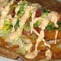 Salsa de mayonesa y chipotle @ allrecipes.com.mx               deliciosa para acompañar tacos de pescado capeados!!