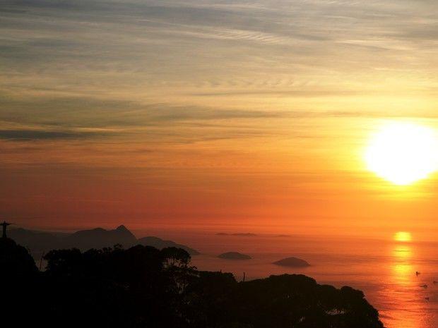 O dia amanheceu com sol forte no Rio de Janeiro (Foto: Marcos Estrella)
