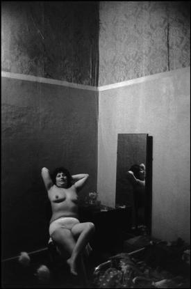 Magnum Photos Photographer Portfolio - Sergio Larrain - CHILE. 1963. Valparaiso.