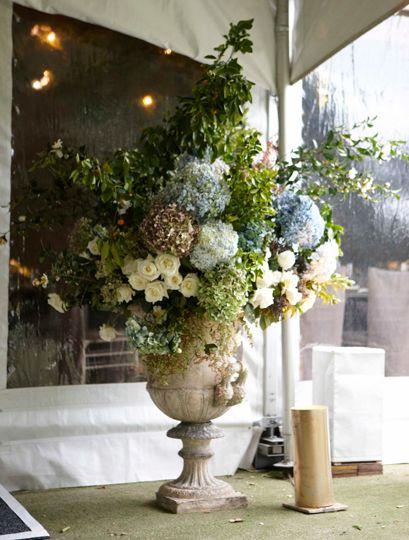#Hydrangea #Rose #Urn #Arrangement #PohoFlowers #Poho #Flowers #Weddings