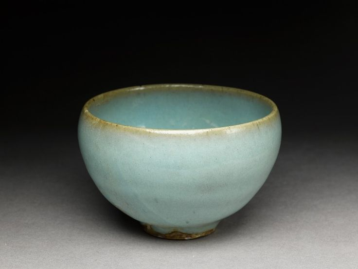 Junyao small bowl with blue glaze, 2nd half of the 11th century - 12th century, Song Dynasty (AD 960 - 1279). Jun kilns, stoneware, with opaque blue glaze; glazed base; glazed rim; 5.5 cm (height),...