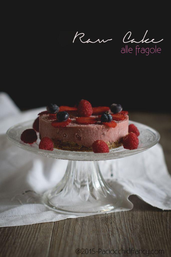 http://www.glutenfreetravelandliving.it/raw-cake-alle-fragole/