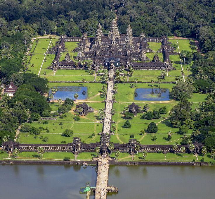 Ангкор-Ват является храмовый комплекс в Камбодже