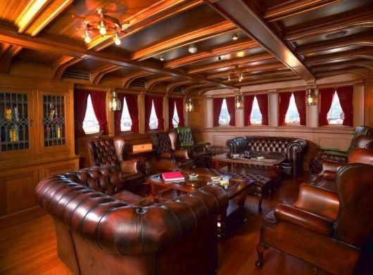 Ventilated cigar room decor