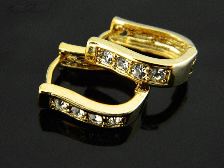 Błyszczące, złote kolczyki na wyjątkową okazje dla kobiet ceniących sobie klasyczne piękno. www.zwegrodzki.pl/pl/p/MD_18-K-zlote-kolczyki-KI881_15mm4mm/4583 #biżuteria #kolczyki #klasa #styl