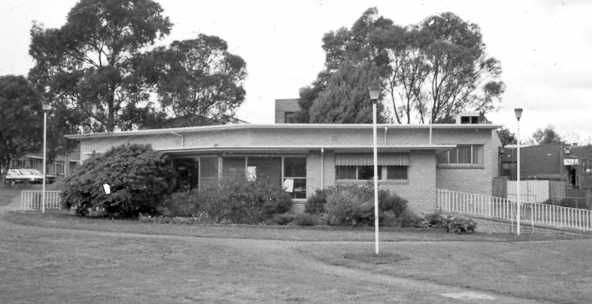 MP 12136. The R. G. Moss Library, Chadstone, 1985.