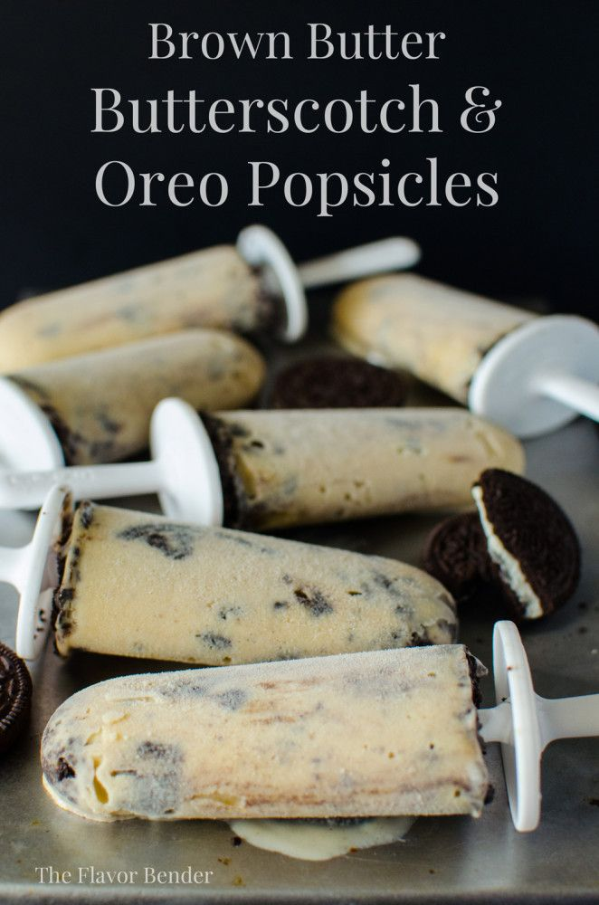Brown Butter Butterscotch Oreo Popsicles - Unbelievably delicious, creamy Butterscotch Popsicles with Oreos!