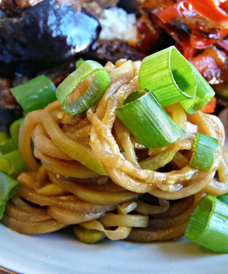 Hi all ! A quick and tasty way of using zucchinis and your spiraliser ! Yes, you do need a spiraliser for this dish. Awesome accompaniment to other Jappy things,