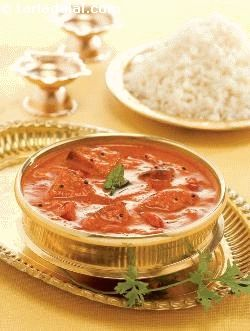 Rasavangy literally means brinjals in a fluid gravy. While it is a traditional south indian recipe, many believe that it demonstrates a strong maharashtrian influence perhaps because of the selection of spices, or because of the tanginess brought about by dhania! this is an excellent accompaniment for idli or  cooked  rice.