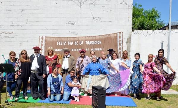Las UDI y Jardines Maternales de San Fernando celebraron el Día de la Tradición