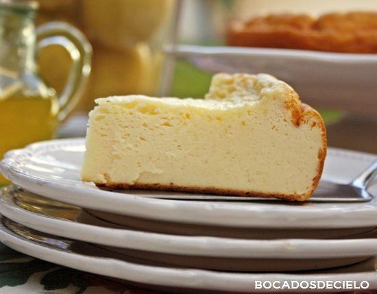 Parece una tarta de queso, pero no lo es, la receta es de Gordon Ramsay y se llama pastel turco de yogur.Tiene un sabor como a...