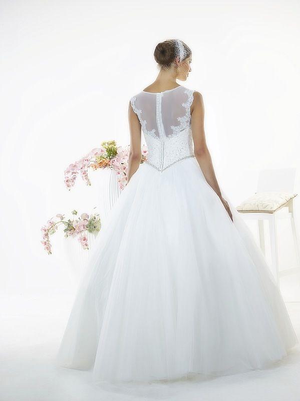 Suknia ślubna LILLY TYŁ z kolekcji White Butterfly firmy Relevance Bridal. Wedding Gown Penelope from White Butterfly Collection from Relevance Bridal. #SuknieŚlubne #SukniaŚlubna #RelevanceBridal #Ślub #OdzieżDamska  #Wedding #WeddingGown #WeddingDress #Womenwear