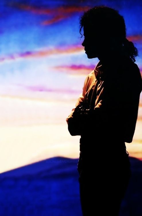 michael jackson, He has the perfect silhouette.