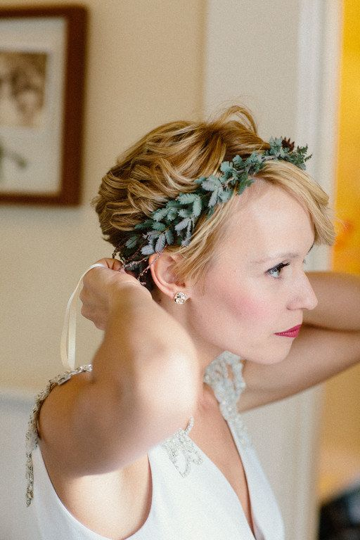 Thinking of short hair for your wedding day? You should, it's totally gorgeous. | 31 Brides Who Absolutely Rocked Short Hair On Their Wedding Day
