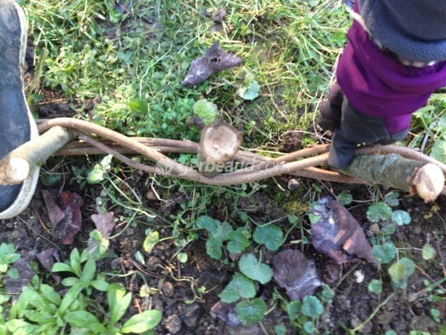 Les 25 meilleures id es concernant des branches de saule for Bordure en bois tresse