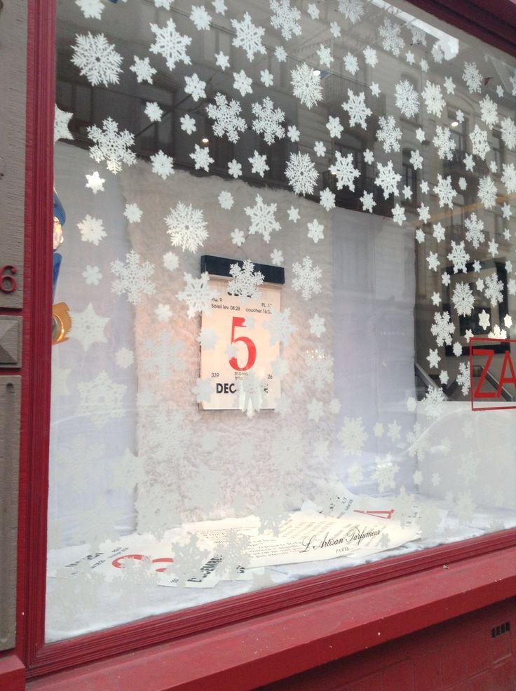 Christmas window display at Zao Brussels Baljuwstreet